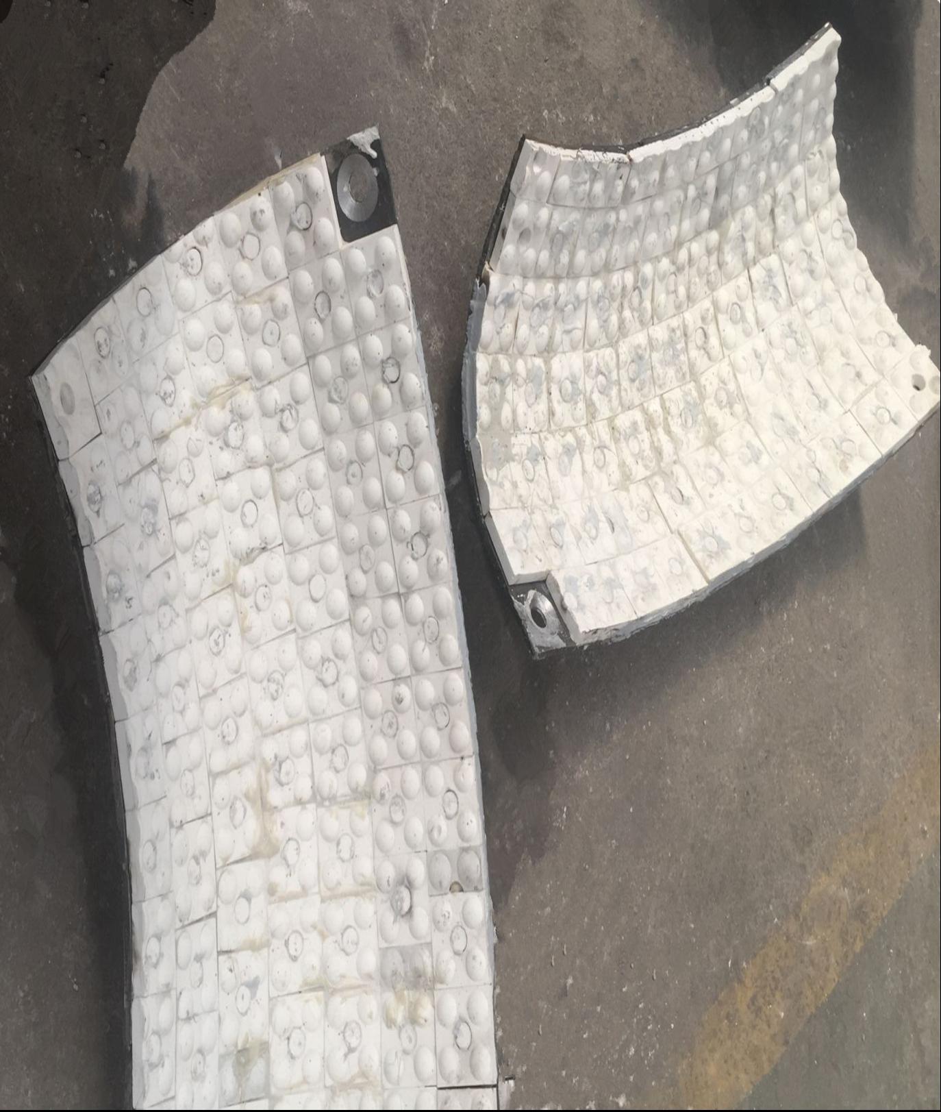 鋼廠高爐料車用那種氧化鋁耐磨陶瓷襯板
